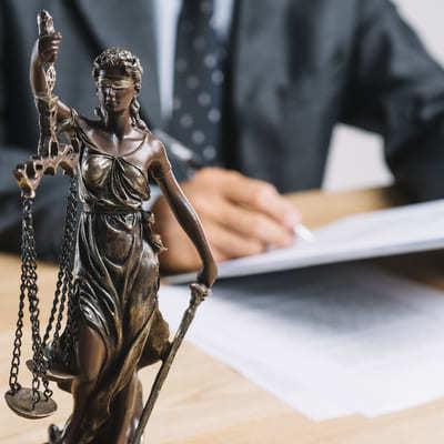 Vater vor Gericht gerecht